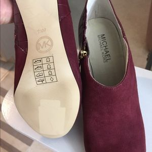 Brand new Michael Kors burgundy suede booties